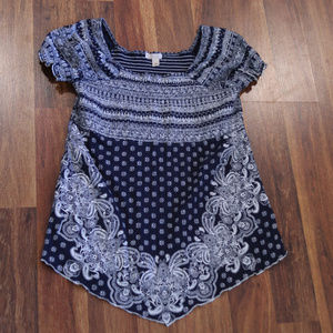 Dress Barn Blue and white patterned peasant top